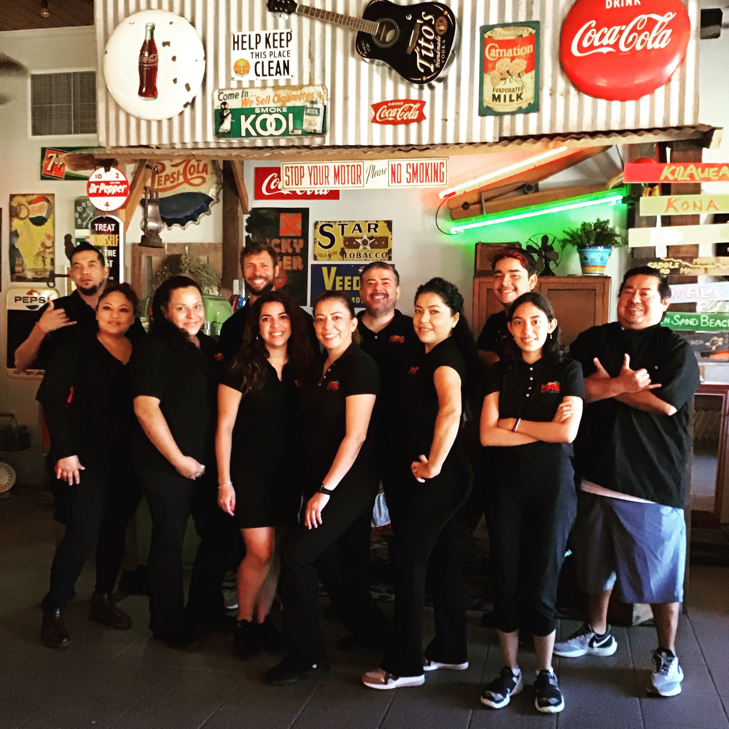 pictures of mexican food employees
