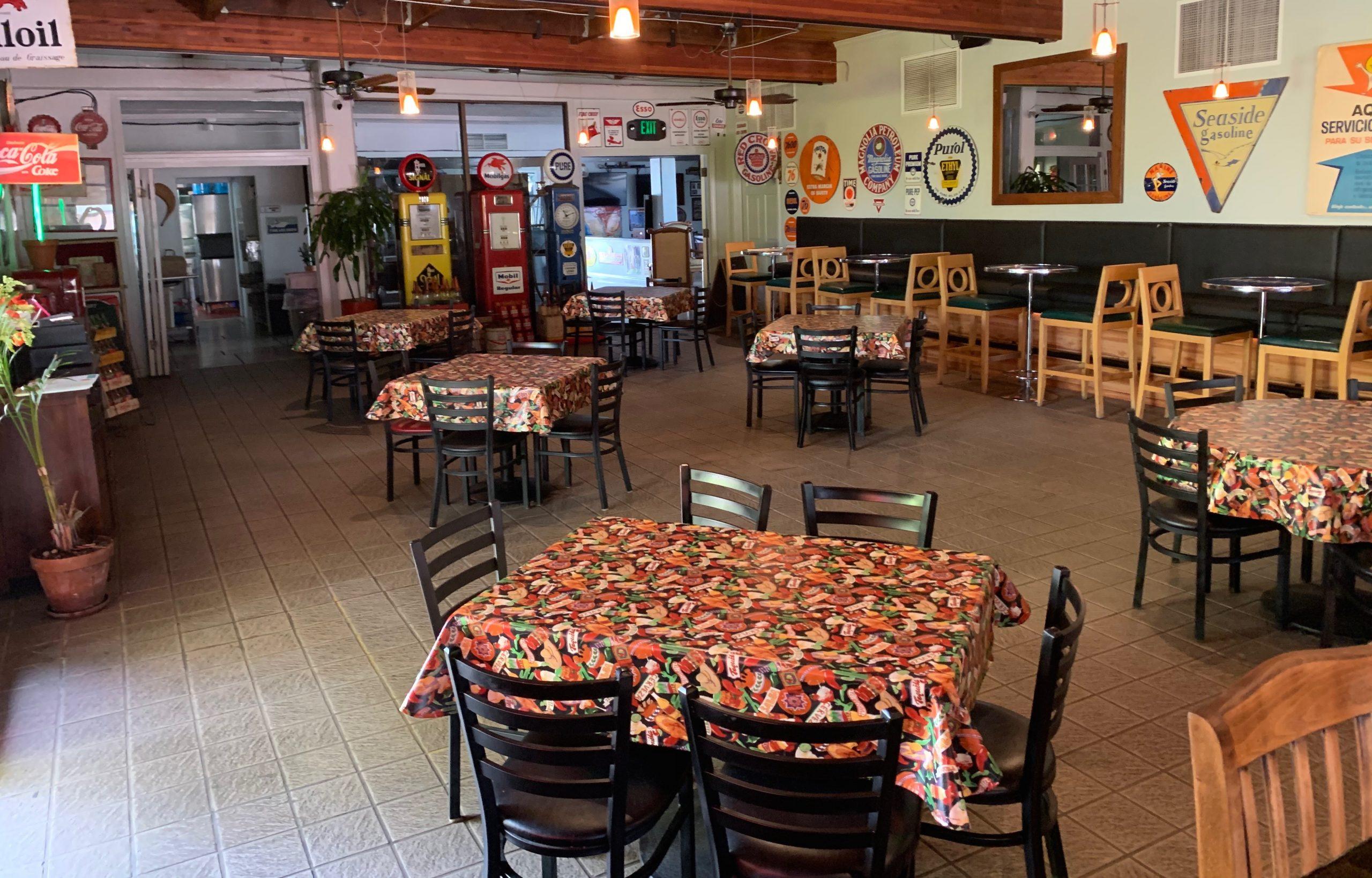 Picture of inside pacho and lefty's