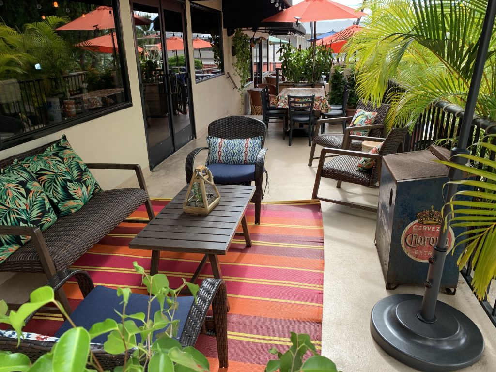 pancho and leftys kona dining area